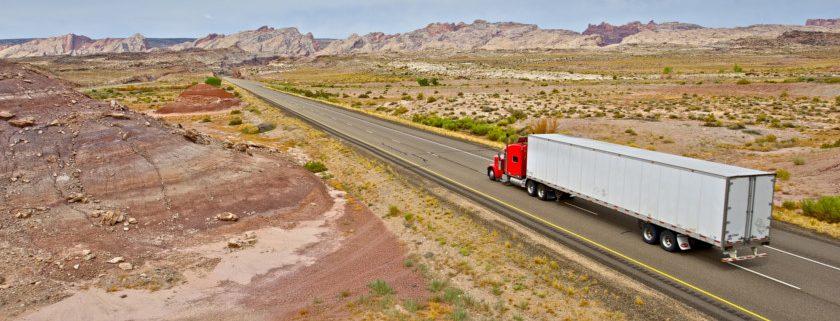 Camioneros abastecimiento navideño.Grupo Carreras